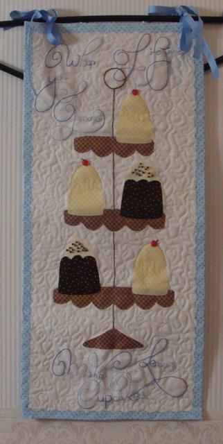 cupcakes mini quilt